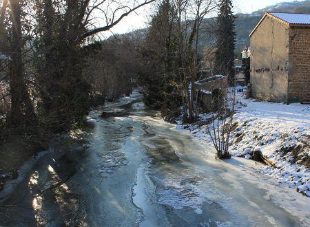La Couze Chambon gelée à Montaigut le Blanc