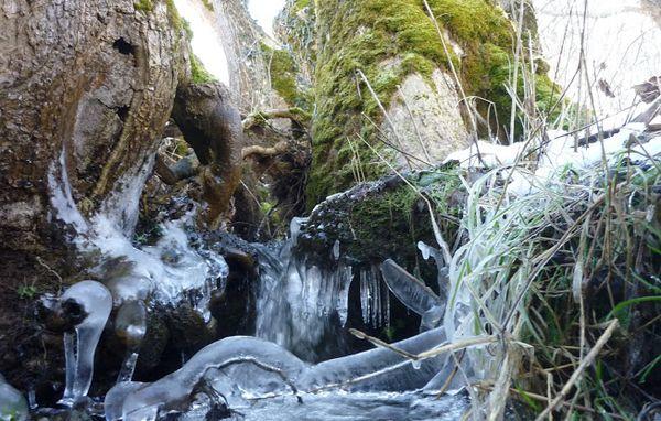 Confluence entre la Tiretaine et le ruisseau de Montrodeix