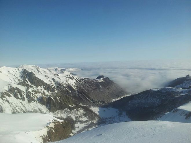 neige mer de nuages brouillard montdore