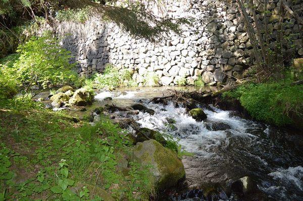 rivière cascade de la Beaume haute loire