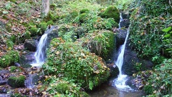 Gorges et cascades en amont de Sayat