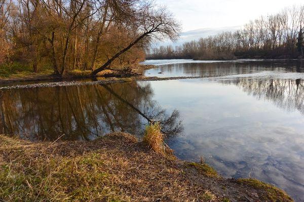 La confluence entre l'Artière et l'Allier
