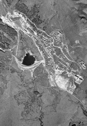 vue aérienne super-besse lac des hermines sancy 290