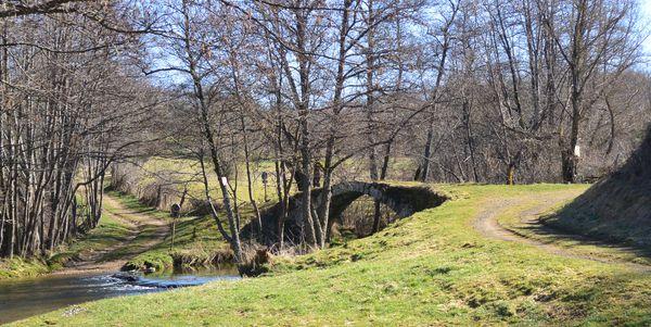 Pont de Glavin chemins