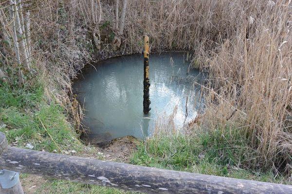 Source Brissac Source merveilleuse Geyser