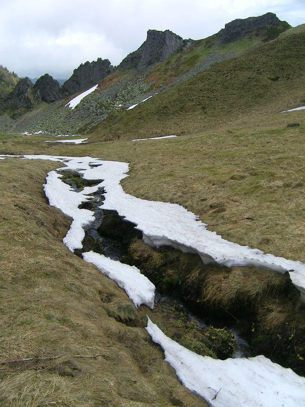 ruisseau Val de Courre crêtes Sancy