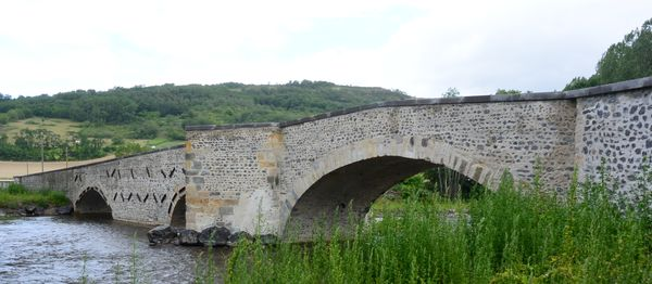 pont médiéval Estrade amont