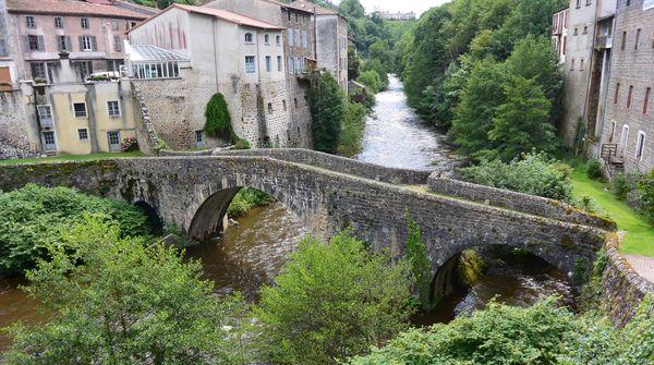 Pont médiéval olliergues