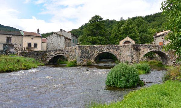Le vieux pont de Saurier