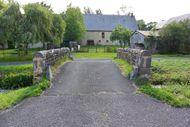 vieux pont en pierre Sioule Saint Bonnet près Orcival (3) little