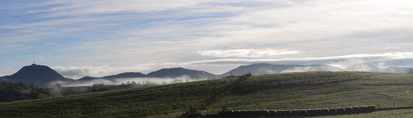 Puy de dôme brume coté ouest automne (1)