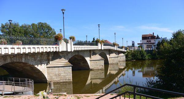 Pont Charles de Gaulle Saint Pourçain Sioule (1)