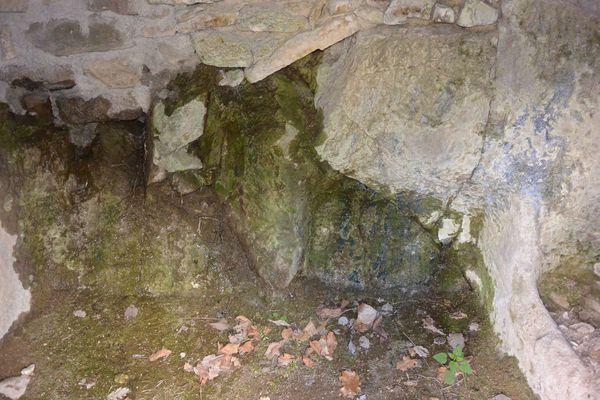grotte aux fées ou grote au gros ventre Saint Floret (1)
