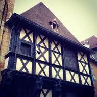 vieille ville de Montluço maisons à colombage (1)