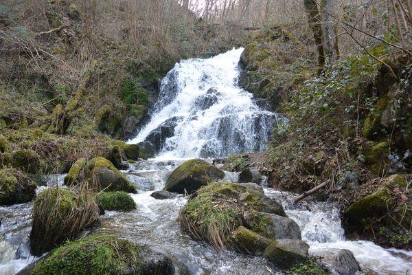 La Cascade de l'Ecureuil entre Châtel-Guyon et Loubeyrat