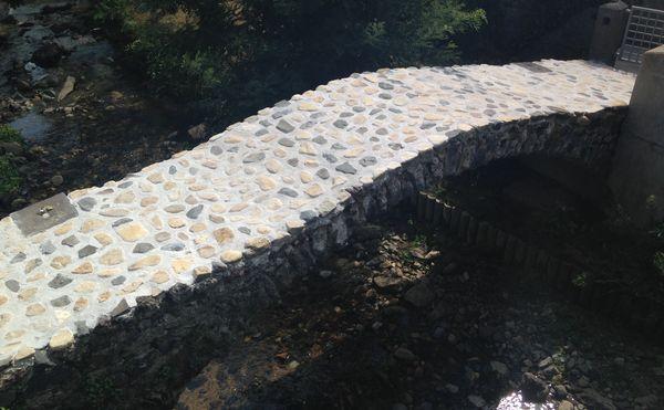 Le pont médiéval de Beneilh sur l'Artière