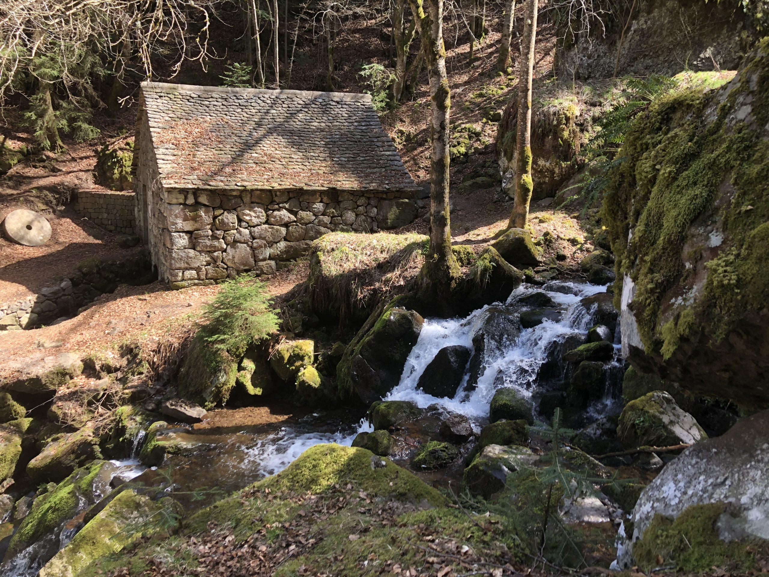 Les cascades de Chambeuil et de son moulin