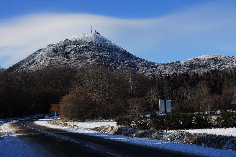 Le Puy de Dôme enneigé et givré par Bruno Courteix