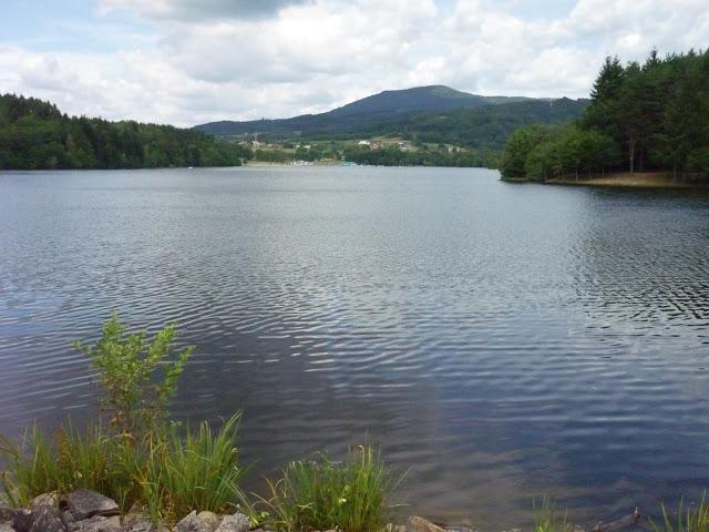 Galerie de 50 photos du Lac d'Aubusson d'Auvergne