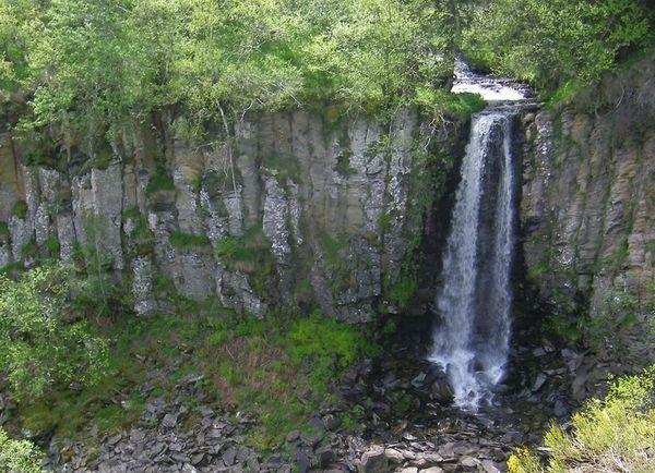 Le ruisseau des Mortes et sa cascade