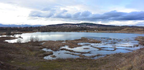 Étang et sablière à Pérignat sur Allier
