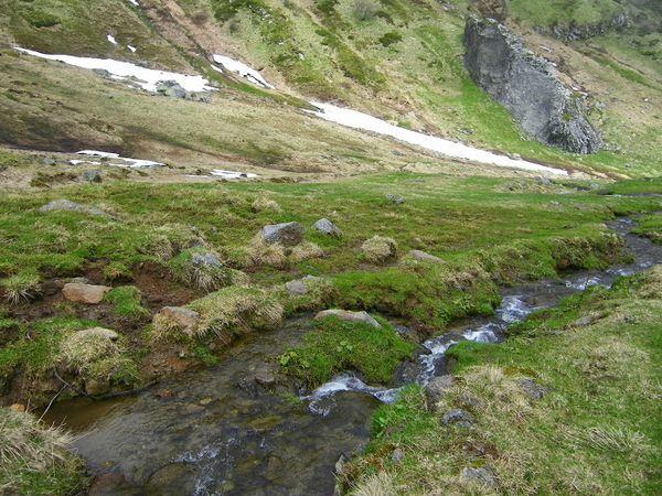 Ruisseau et fonte des neiges au Val de Courre