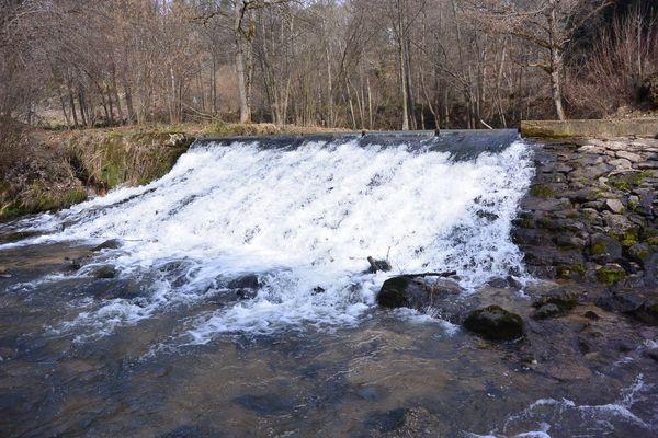 La chute d'eau du moulin de Graveyroux